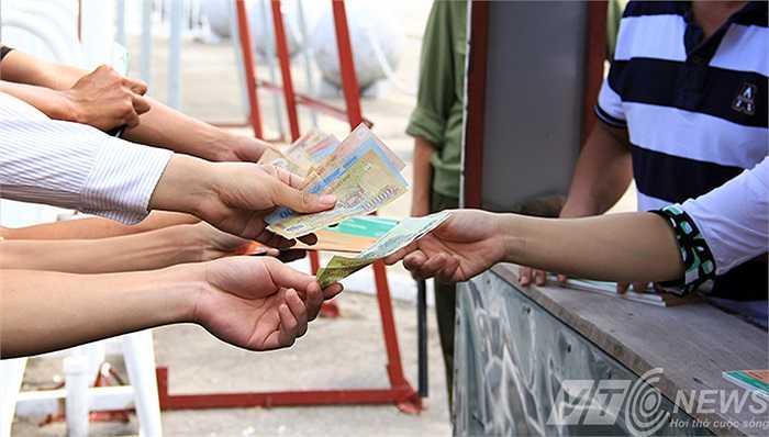 Lượng bán vé cho mỗi cá nhân không giới hạn.