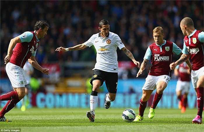Ít ngày sau lễ ra mắt màu áo mới, Angel Di Maria đã có trận đấu chính thức đầu tiên cùng Man Utd