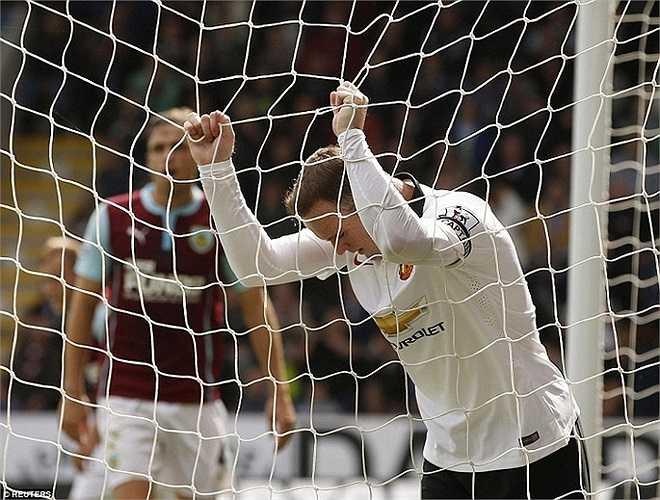 Vắng Di Maria cùng sự đột biến của cầu thủ này, Man Utd bế tắc thực sự trong việc đưa bóng vào mành lưới Burnley.