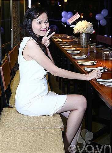 Mặc dù đang mang bầu ở tháng thứ 5 nhưng Diễm Hương không bị tăng cân quá nhiều.