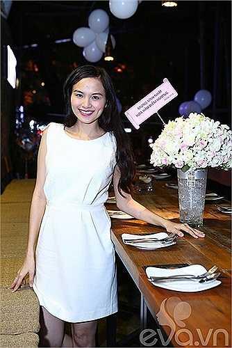 Trong dịp sinh nhật lần này, Quang Huy, bạn trai Diễm Hương cũng lần đầu tiên công khai xuất hiện trước công chúng.