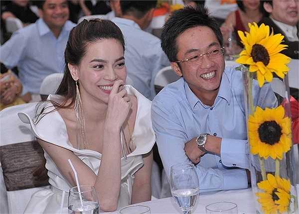Mới đây nhất, khi Cường đô la công tác ở Hà Nội, Hà Hồ đã gọi chồng về chăm sóc con