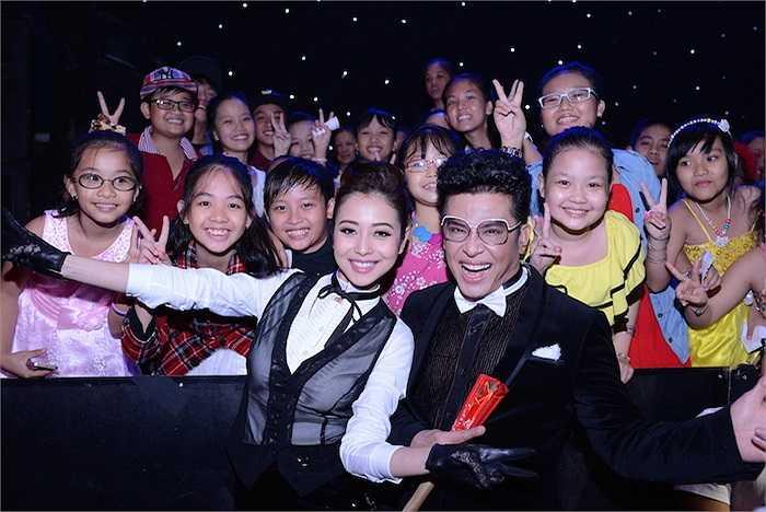 Cô cho biết, nhận chương trình Giọng hát Việt nhí bởi rất yêu trẻ con.