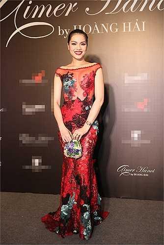Quách An An sở hữu một bộ sưu tập những chiếc váy xuyên thấu nóng bỏng mà cô thường diện tại nhiều sự kiện.