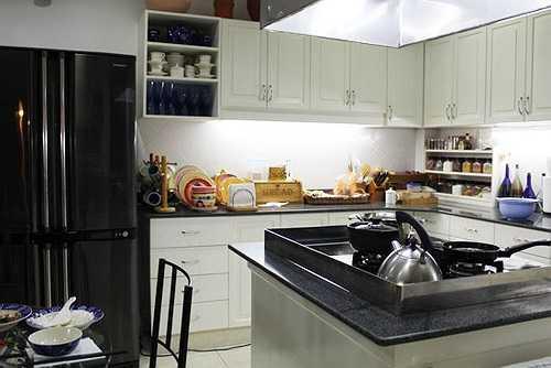 Toàn cảnh căn bếp của gia đình Diễm My.