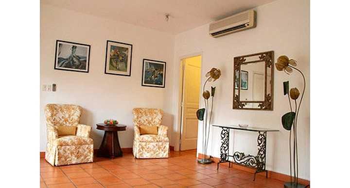 Vợ chồng diễn viên Diễm My mua nhà năm 1997 tại khu Thảo Điền, một vị trí đắc địa nằm ven sông Sài Gòn, quận 2, TP.HCM.