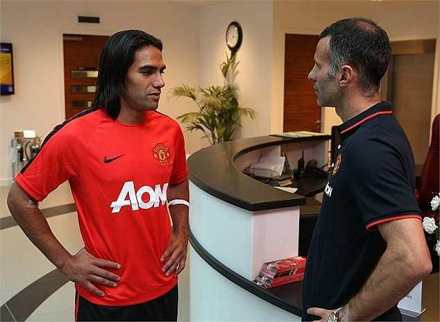 Man Utd chỉ phải bỏ ra 12 triệu bảng để hỏi mượn Falcao, song Quỷ đỏ sẵn sàng trả nốt 42 triệu bảng cho Monaco để mua đứt anh vào mùa hè năm sau