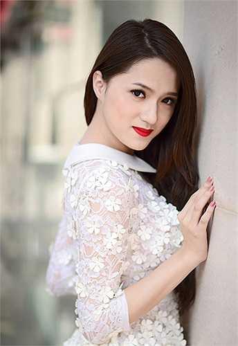 Hương Giang khẳng định cô xứng đáng với vị trí đó, hoàn toàn không có chuyện thiên vị.