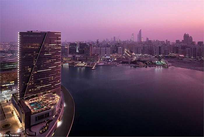 Phòng Hoàng gia - khách sạn Rosewood Abu Dhabi - Tiểu Vương quốc Ả rập thống nhất: Giá thuê một đêm là 4.463 bảng (gần 156 triệu đồng).
