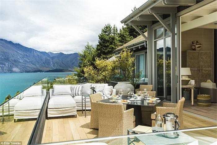Owner's Cottage thuộc Matakauri Lodge - New Zealand: Những tấm thảm len trong phòng đều do các chuyên gia phục trang của bộ phim kinh điển Lord of the Rings làm ra.