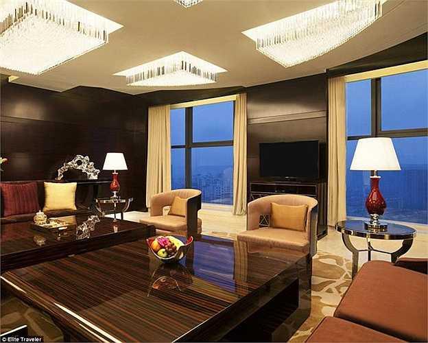 Giá thuê phòng Tổng thống của khách sạn Kempinski là 8.935 bảng/đêm (gần 312 triệu đồng).