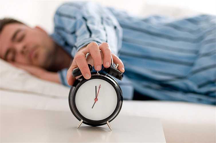 Thiếu ngủ: Nếu bạn đang gặp rắc rối trong đời sống tình dục thì có lẽ nguyên nhân là do bạn ngủ quá ít. Vấn đề này ảnh hưởng đến sức khỏe tình dục rất lớn. Thiếu ngủ làm cơ thể và tinh thần mệt mỏi, từ đó dẫn đến mất ham muốn.