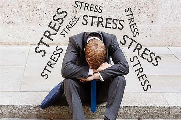 Stress: Stress là một trong những nguyên nhân chính gây ra những ảnh hưởng tiêu cực đối với sức khỏe, bao gồm cả sức khỏe tình dục. Giống như tình trạng thiếu ngủ, stress gây hại trực tiếp đến quá trình sản xuất hormone… yêu.