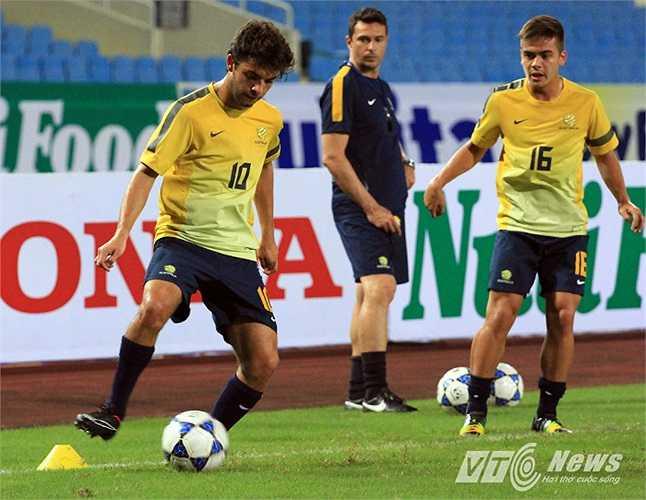Cầu thủ này cũng sẽ gia nhập AS Roma trong thời gian tới với giá chuyển nhượng 2,5 triệu USD.