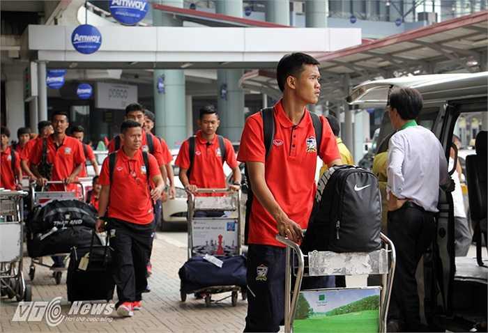 Để chuẩn bị cho VCK U19 châu Á diễn ra vào tháng 10, U19 Thái Lan đã được tập trung từ cách đây 2 tháng.