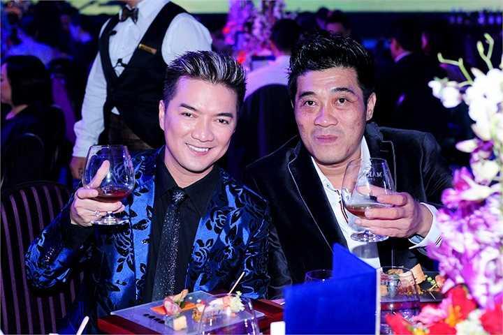 Ông Dương Quốc Nam chỉ nói giản dị rằng, ông vốn rất quý bạn bè cho nên đây cũng là một dịp để có thể hội ngộ tất cả các bạn bè, đối tác thân thiết của ông.