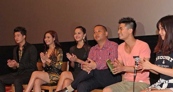 Ngày 27/8/2014, đại diện êkip phim Thần Tượng bao gồm Quang Huy (đạo diễn - giám đốc sản xuất) cùng các diễn viên Phạm Quỳnh Anh, Hoàng Thùy Linh, Harry Lu đã lên đường sang Hàn Quốc.