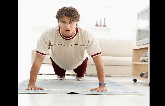 Tập thể dục quá nhiều: Điều này cũng có thể là một trong những lý do khiến bạn mệt mỏi. Lúc này, cơ thể bạn vận động vượt quá giới hạn của chúng, làm bạn mất cân bằng và không thể duy trì giữa vận động và nghỉ ngơi.