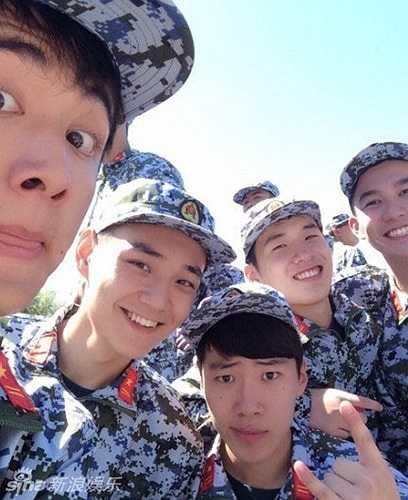 Cứ đến mùa tựu trường là cũng đến mùa huấn luyện quân sự hàng năm của các tân sinh viên. Những 'ma mới' ở Trung Quốc sẽ trải qua một thời gian huấn luyện quân sự khá khắc nghiệt. Tuy vậy, rất nhiều sinh viên đã trải qua thời kỳ này đều cho rằng đợt huấn luyện quân sự này là một trong những kỷ niệm đáng nhớ nhất trong đời sinh viên của họ.