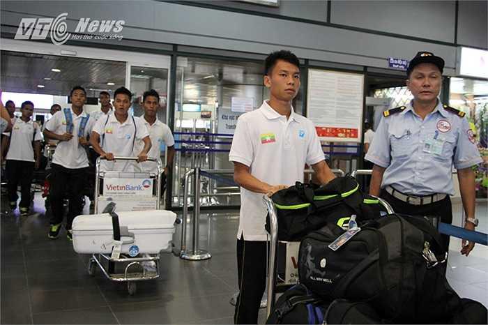 Đội bóng xứ Chùa Tháp mang nguyên đội hình vừa giành chức vô địch U22 Đông Nam Á tới Việt Nam.