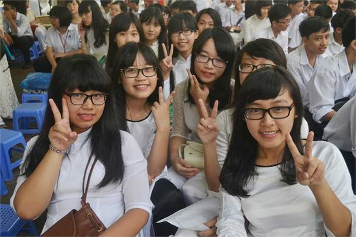 Là trường thực hành sư phạm thuộc ĐH Sư phạm Hà Nội, từ năm học 2013-2014, trường THCS-THPT Nguyễn Tất Thành là một trong 8 trường trong cả nước được điều chỉnh cấu trúc nội dung dạy học của chương trình hiện hành và xây dựng kế hoạch mới theo hướng phát triển năng lực học sinh