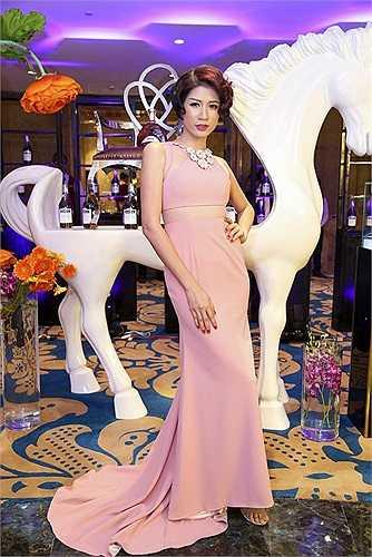 Người mẫu Trang Trần - giải nhì Cuộc đua kỳ thú 2014