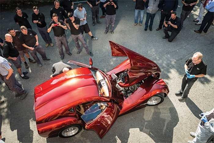 Chiếc xe Morgan SP1 là chiếc duy nhất, vừa ra mắt trong một sự kiện riêng biệt tại Anh và khá thu hút sự tò mò của truyền thông.
