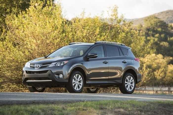 6. Toyota RAV4. Hãng Toyota đã có tới 2 sản phẩm lọt vào danh sách này. Tháng vừa qua RAV4 tiêu thụ được 35.614 chiếc. Doanh số tăng 24.3% trong năm nay, với số lượng RAV4 tiêu thụ được trên thế giới là 179.345 chiếc.