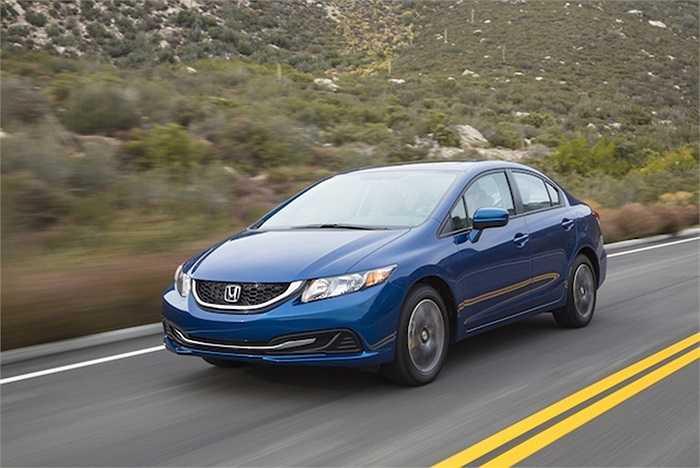 8. Honda Civic bị rơi xuống vị trí thứ 8 do doanh số giảm 13.8% so với tháng trước, có nghĩa Honda chỉ tiêu thụ được 34.032 xe trong tháng 8 vừa qua. Cộng gộp, Honda đã bán được 231.167 chiếc Civic kể từ đầu năm.