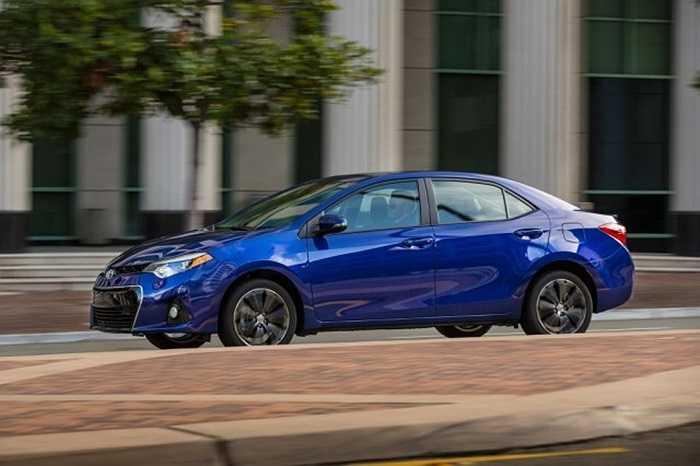 9. Toyota Corolla. Doanh số tháng 8 tăng 23.2%, tương đương 33.088 chiếc bán ra, mẫu xe Corolla vẫn khiến hãng Toyota lọt vào top 10 chiếc xe bán chạy nhất trong tháng, nâng tổng lượng tiêu thụ đạt 238.275 chiếc.