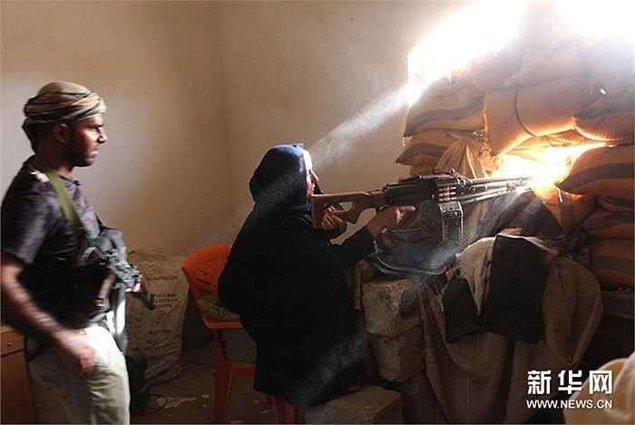 Sự xuất hiện của IS khiến phụ nữ, thanh niên Iraq phải cầm súng