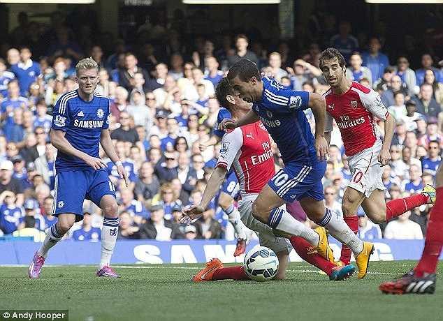 Fabregas chơi cực hay bất chấp sự la ó từ phía các CĐV Arsenal