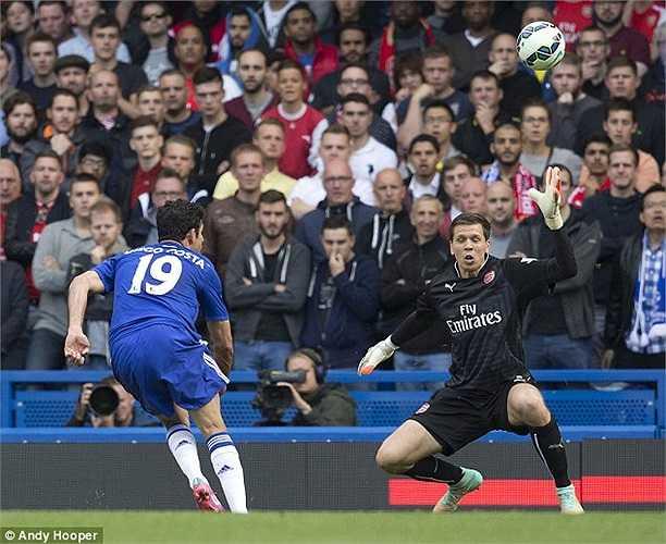 Anh kiến tạo cho Diego Costa ấn định tỷ số 2-0