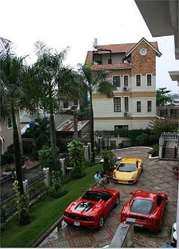 Bên cạnh đó, người bạn đời của Hồ Ngọc Hà - doanh nhân Nguyễn Quốc Cường còn có hẳn một bộ sưu tập gồm những chiếc siêu xe đắt giá nhất thế giới.