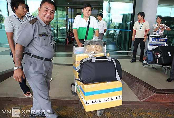 Tại Nay Pyi Taw, U19 Việt Nam đóng quân ở khách sạn Park Royal. Và như thường lệ, đi cùng đoàn luôn có đầu bếp riêng với những thực phẩm được mang từ Việt Nam sang.