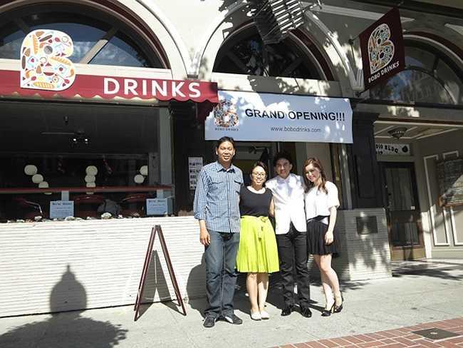 Công việc kinh doanh nhà hàng của vợ chồng Đan Trường rất phát đạt. Chính vì thế không lâu sau khi mở cửa nhà hàng đầu tiên, Đan Trường - Thủy Tiên đã mở thêm một nhà hàng mới