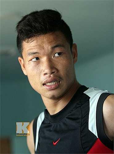 """Nếu Đông Triều không cảm thấy bị đau khi đi giày đinh tập luyện, """"lá chắn thép"""" của U19 Việt Nam hoàn toàn có thể trở lại tập luyện bình thường cùng cả đội vào ngày mai 8/10"""