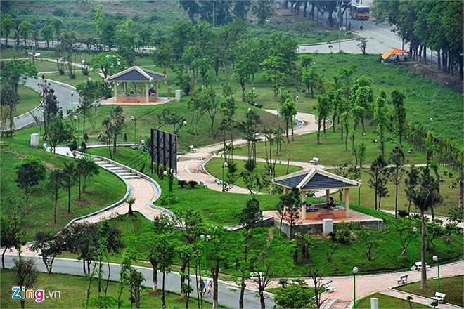 Công viên được cho là hiện đại nhất thủ đô khánh thành ngày 8/10/2010 đúng dịp kỷ niệm 1000 năm Thăng Long - Hà Nội.