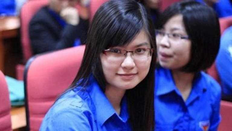 Cô cũng tham gia tích cực các hoạt động tình nguyện.