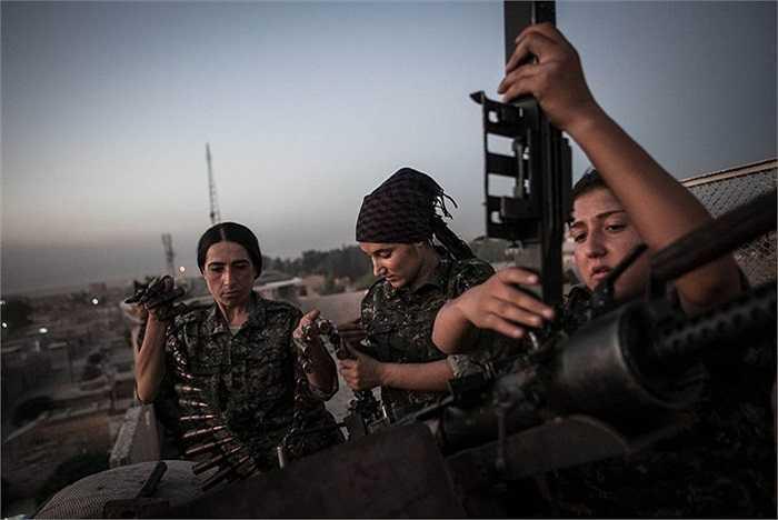 Hầu hết những nữ chiến binh người Kurd có độ tuổi từ 18-24 đều chưa lập gia đình