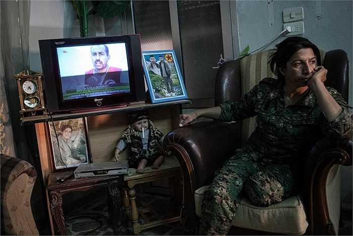 Những nữ chiến binh dũng cảm chiến đấu với tổ chức nhà nước hồi giáo tự xưng IS, các tổ chức al-Qaeda liên kết với al-Nusra Front