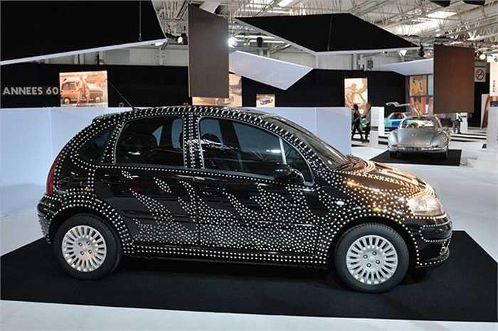 2002 Citroen C3 được trang trí bởi các nhà thiết kế thời trang 'Dolce and Gabanna'