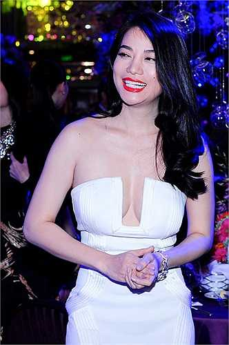Sau gần một năm ly hôn, nữ diễn viên 'Hương ga' lần đầu tiên cởi mở chia sẻ về nguyên nhân chia tay doanh nhân Trần Bảo Sơn.
