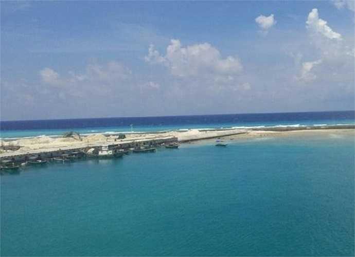 Tờ Want China Times nhận xét, việc xây các căn cứ quân sự ở đảo Phú Lâm (Hoàng Sa) và đảo Gạc Ma (Trường Sa) sẽ giúp quân đội Trung Quốc tiến thêm 850km trên Biển Đông