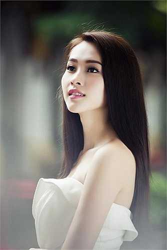 Vẻ đẹp tinh khôi của Hoa hậu Thu Thảo
