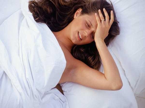 Giảm đau: Chuyện giường chiếu có thể giúp bạn cải thiện chứng đau lưng và đau nửa đầu ở cả phụ nữ và nam giới.