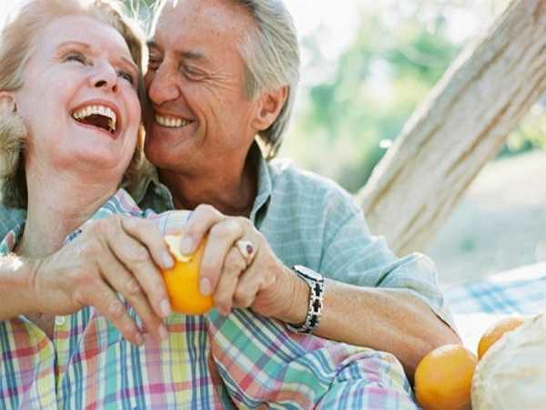 Sống lâu hơn: Chuyện giường chiếu giúp bạn có một trái tim khỏe, sương chắc khỏe, hạnh phúc, vui vẻ, đây cũng là những nhân tố kéo dài tuổi thọ của bạn.