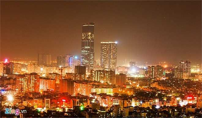 Sau 60 năm giải phóng, giờ đây Hà Nội đang trên đà phát triển với nhiều công trình quy mô lớn, hiện đại, bắt kịp với xu hướng của nhiều quốc gia trong khu vực và trên thế giới. Về đêm, toàn thành phố rực sáng, khoe vẻ đẹp hiện đại không kém gì thủ đô các nước lớn.