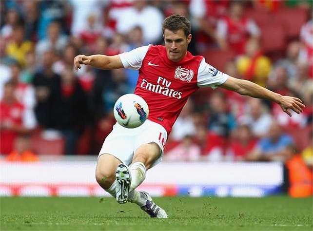 Trở lại và tỏa sáng chưa được bao lâu, Ramsey lại phải ngồi chơi xơi nước dài hạn trong bệnh viện