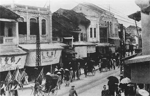 Đường phố Hà Nội năm 1926.